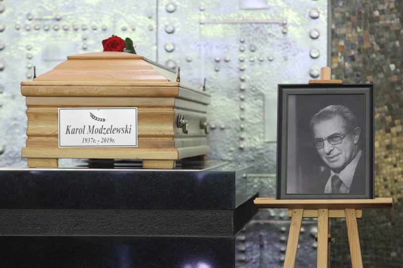 Profesor Karol Modzelewski zmarł 28 kwietnia w Warszawie w wieku 81 lat /Tomasz Jastrzębowski /Reporter