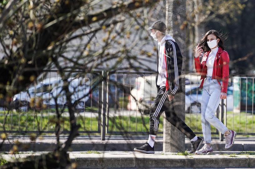 Prognoza dla Polski: szczyt zakażeń koronawirusem sięgający 9 tys. - ok. 25 kwietnia /Aleksandra Szmigiel/REPORTER /Reporter