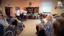 """Program """"Raport"""": Seniorzy ozdrowieńcy"""