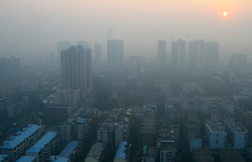 Program Czyste Powietrze ma być głównym orężem w walce ze smogiem /123RF/PICSEL