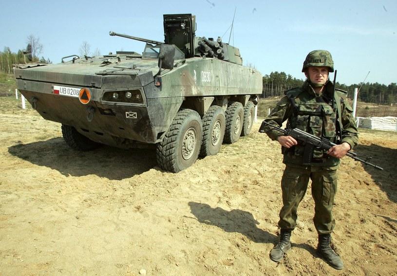Program KTO nadal jednak kuleje i wciąż nie doczekaliśmy się choćby jednej brygady w pełni wyposażonej w Rosomaki /Agencja SE /East News