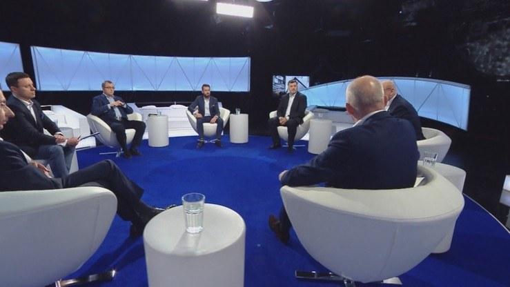 Program prowadził Piotr Witwicki /Polsat News
