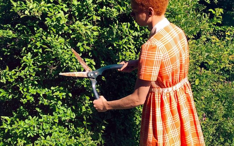 Projekt sukienki dla mężczyzn spotkał się z fatalnym odbiorem wśród potencjalnej klienteli /Gucci.com /materiały prasowe
