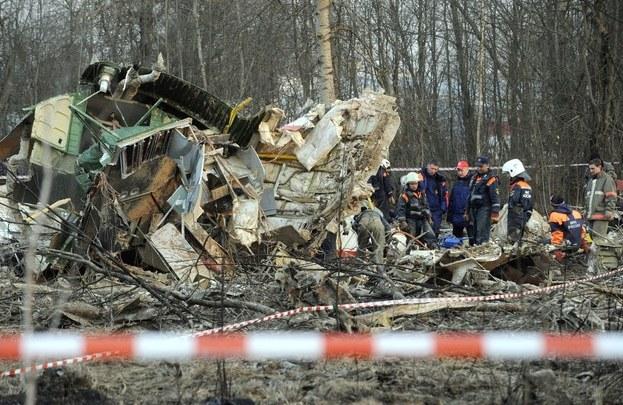 Projekt uchwały dotyczy kwestii wydania Polsce przez państwo rosyjskie wraku Tu-154M oraz czarnych skrzynek /AFP