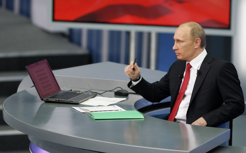 Projekt ustawy może trafić na biurko Władimira Putina /AFP
