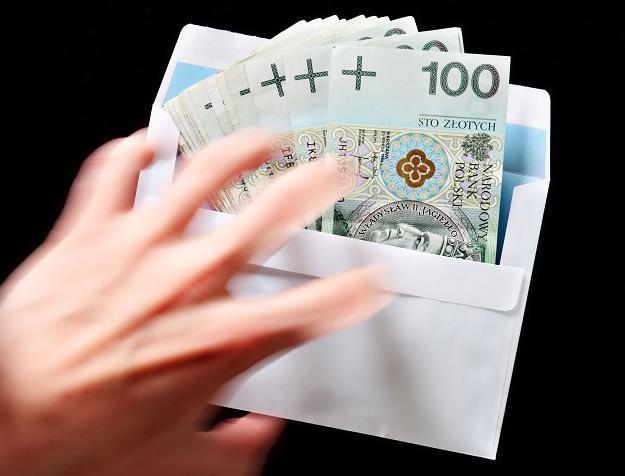 Projekt ustawy znacznie rozszerza grono osób zobowiązanych do składania oświadczeń majątkowych /©123RF/PICSEL