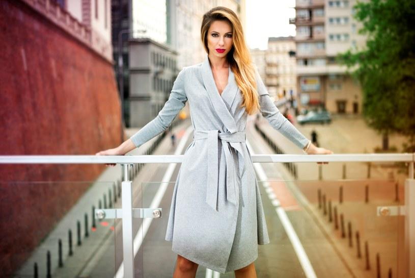 - Projektuję odzież tak, by była odpowiednia na różne okazje, modna niezależnie od sezonu i służyła dłużej niż kilka miesięcy - mówi projektantka | fot. Robert Szaban /Styl.pl/materiały prasowe