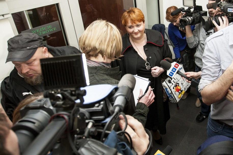 Prokurator Izabela Pirch-Mirocha rozmawia z dziennikarzami, po procesie w sprawie siostry Bernadetty /Marek Zimny /PAP