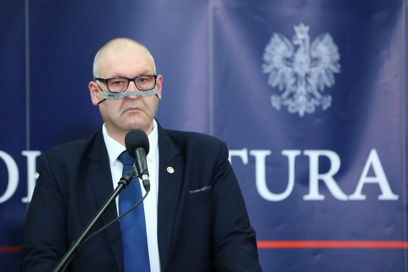 Prokurator krajowy i pierwszy zastępca prokuratora generalnego Bogdan Święczkowski podczas konferencji prasowej nt. śledztwa ws. afery GetBack