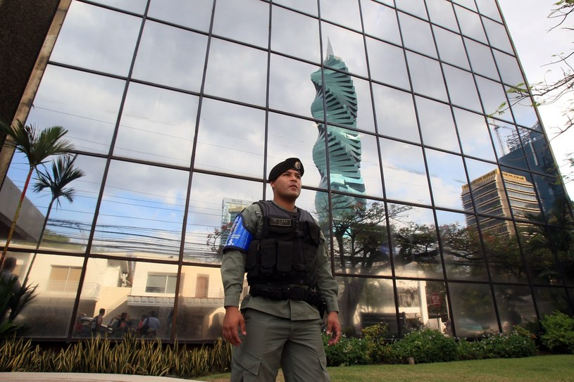 Prokuratura rozpoczęła przeszukanie w biurach Mossack Fonseca /EPA/Alejandro Bolivar  /PAP/EPA