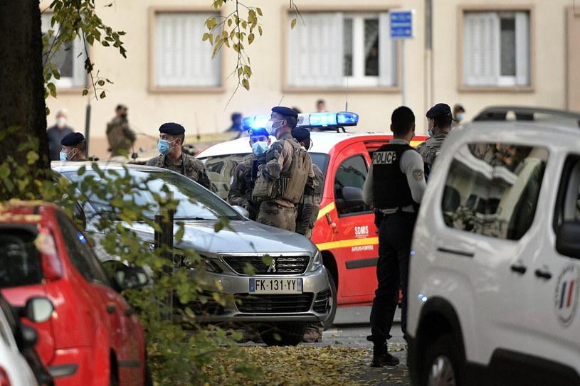 Prokuratura w Lyonie: Mężczyzna zatrzymany po ataku na duchownego trafił do aresztu /MAXIME JEGAT /PAP/EPA