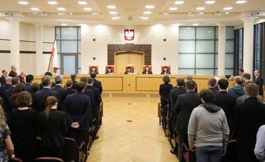 Prokuratura zajmie się zamieszaniem wokół TK. Chodzi o uchwały o nieważności wyboru 5 sędziów TK