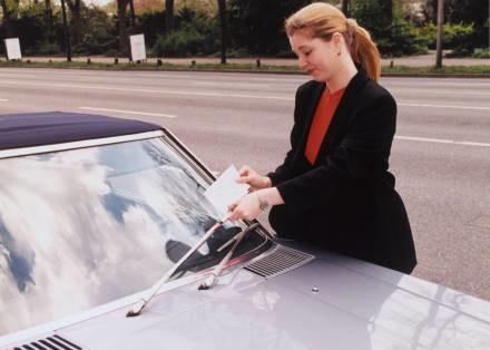 Propozycje mandatów za złe parkowanie czy brak czujności przy wyprzedzaniu budzą grozę. /EchoMiasta_Warszawa