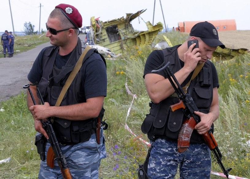 Prorosyjscy separatyści utrudniają dostęp do wraku i zwłok ofiar, niepewny jest także los czarnych skrzynek. /ROBERT GHEMENT /PAP/EPA