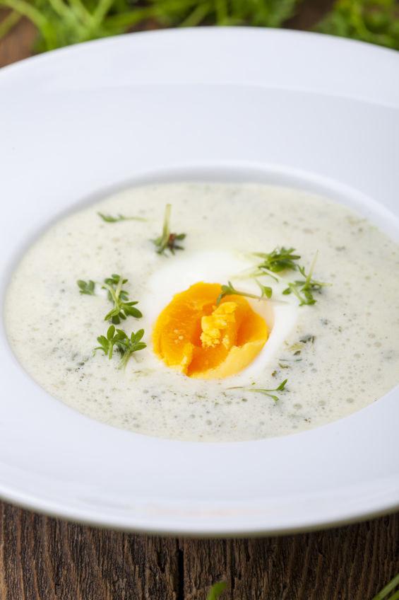 Prosta w przygotowaniu zupa, która zachwyca smakiem /123RF/PICSEL
