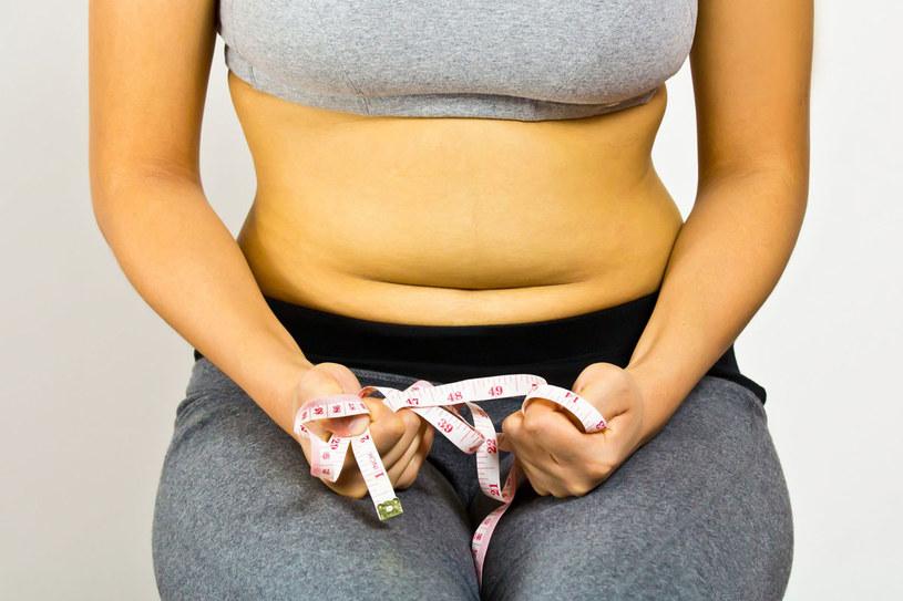 Proste triki zatuszują te większe i mniejsze defekty twojego ciała /123RF/PICSEL