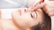 Prosty masaż twarzy udrożni zatoki