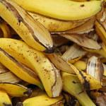 Prosty sposób na wodę bananową. Przyda się w każdym domu