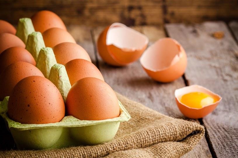 Prosty trik pomoże ci ustalić, czy jaja są świeże /123RF/PICSEL