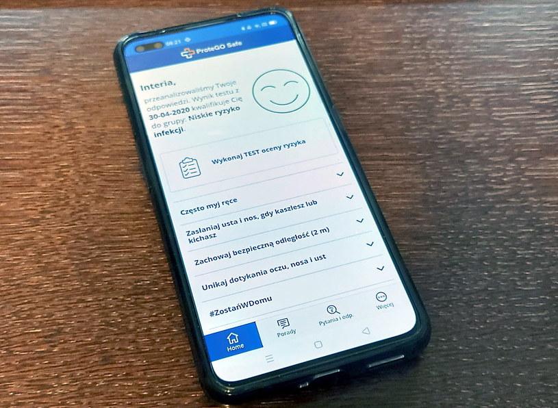 """ProteGO Safe po zainstalowaniu na smartfonie i wypełnieniu ankiety (utworzeniu """"profilu"""") /INTERIA.PL"""