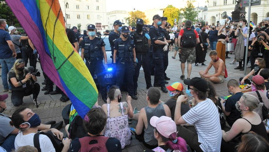 Protest aktywistów na Krakowskim Przedmieściu w Warszawie / Radek Pietruszka   /PAP