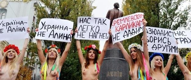 Protest FEMEN przeciwko przyjazdowi Władimira Putina na Ukrainę /AFP