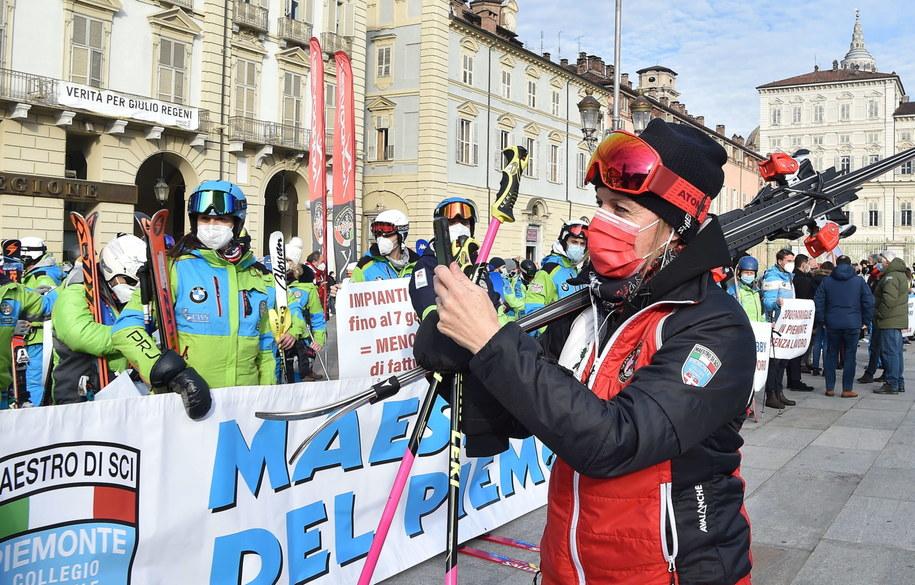 Protest instruktorów narciarstwa w Turynie /ALESSANDRO DI MARCO  /PAP/EPA