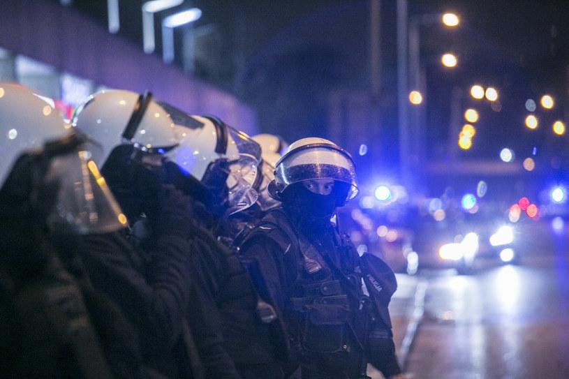 Protest kibiców Legii pod stadionem /MAREK BEREZOWSKI/REPORTER /East News