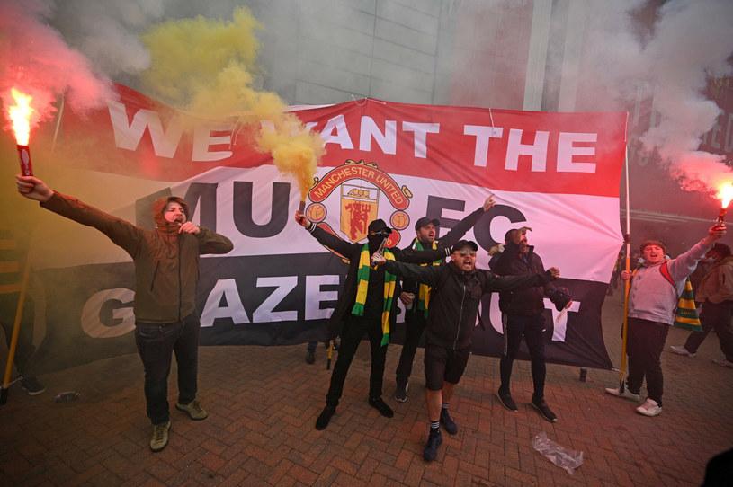 Protest kibiców Manchesteru United pod stadionem Old Trafford /OLI SCARFF/AFP/East News /East News