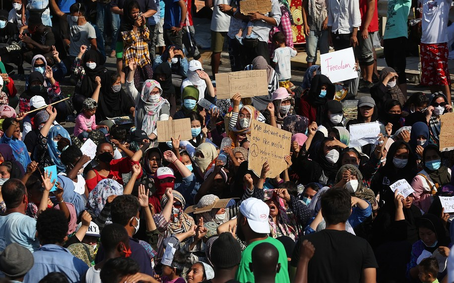 Protest na Lesbos /ORESTIS PANAGIOTOU /PAP/EPA