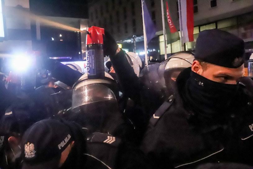 Protest na placu Powstańców Warszawy /Pawel Wasniowski /Reporter