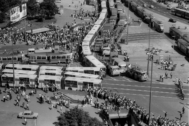 Protest NSZZ Solidarność, blokada ronda w Warszawie, 1981 /Grzegorz Roginski /Reporter