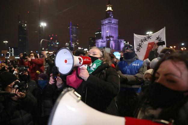 Protest Ogólnopolskiego Strajku Kobiet w Warszawie / Leszek Szymański    /PAP