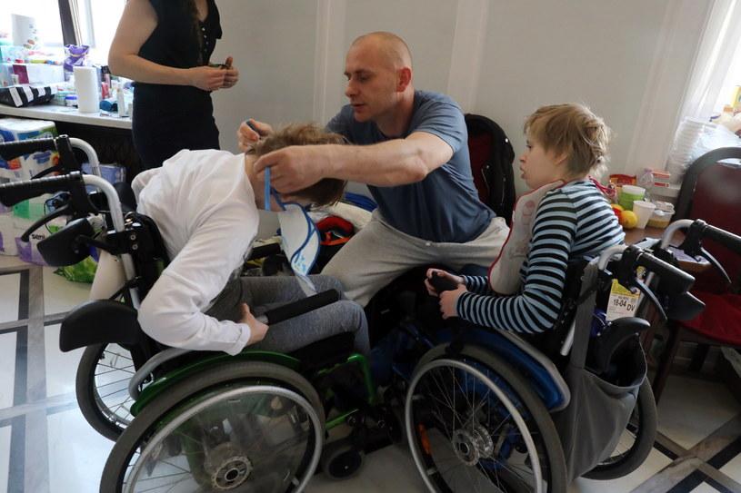 Protest opiekunów osób niepełnosprawnych, 30 kwietnia w Sejmie /Tomasz Gzell   /PAP