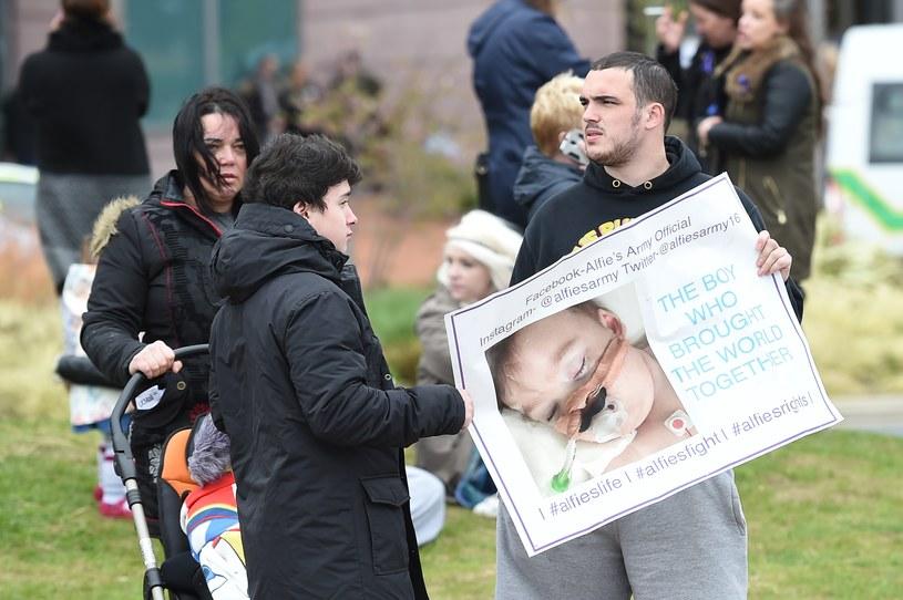 Protest pod Alder Hey Children's Hospital /PAUL ELLIS /AFP
