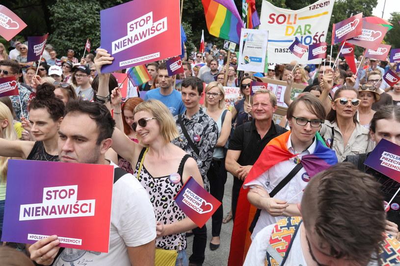 """Protest pod hasłem """"Polska przeciw przemocy"""" /Artur Reszko /PAP"""