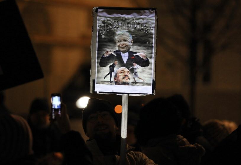 Protest pod Pałacem Prezydenckim /Tomasz Gzell /PAP