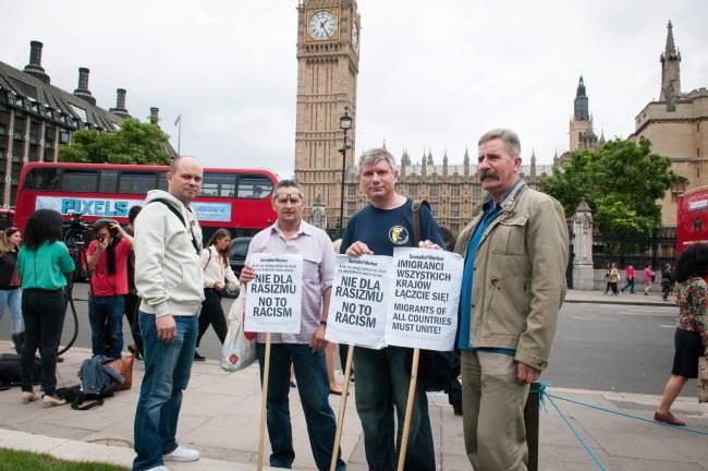 Protest Polaków przed brytyjskim parlamentem /Elżbieta Walenda /PAP