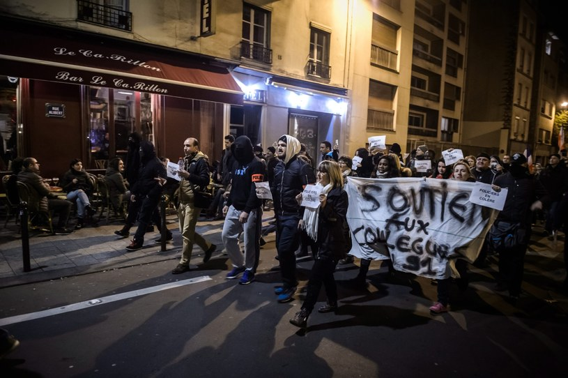Protest policjantów /CHRISTOPHE PETIT TESSON /PAP/EPA