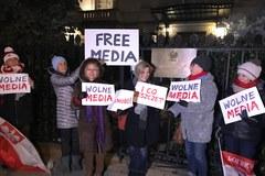 Protest Polonii w USA przed ambasadą