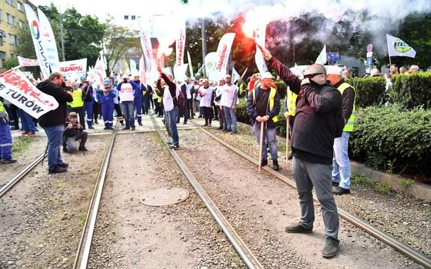 Protest pracowników kopalni i elektrowni /Maciej Kulczyński /PAP/EPA