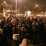Protest przeciw ACTA. Manifestanci przed domem premiera
