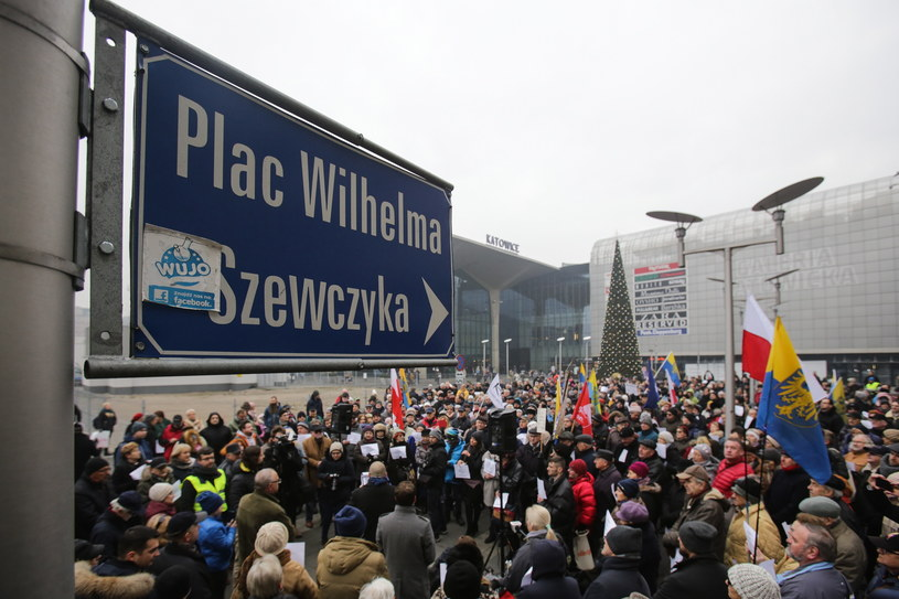 Protest przeciwko planowanej zmianie nazwy /Dominik Gajda /PAP
