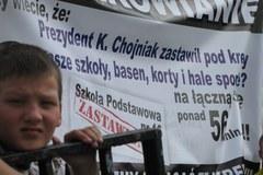 Protest przeciwko zastawianiu szkół w Piotrkowie Trybunalskim
