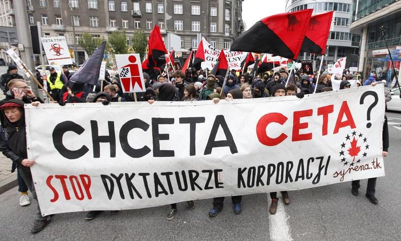 Protest przeciwników CETA w Warszawie, październik 2016 /Stefan Maszewski /East News