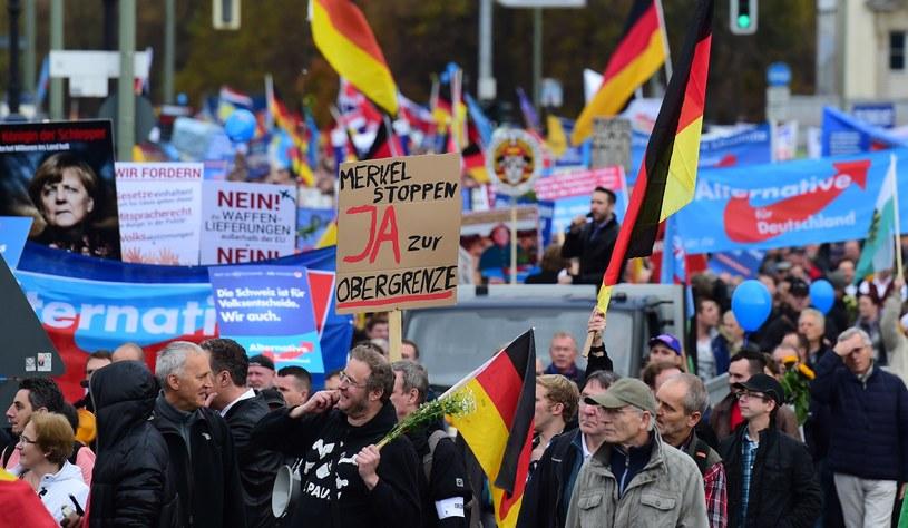 Protest przeciwników polityki Angeli Merkel /AFP