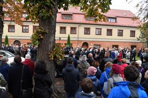 Protest przed gdańską kurią