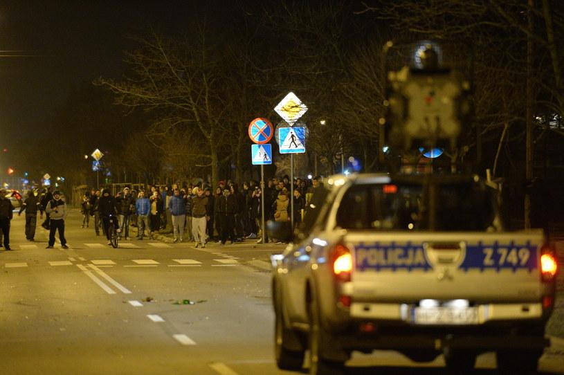 Protest przed Komendą Powiatową Policji w Legionowie /Jacek Turczyk /PAP