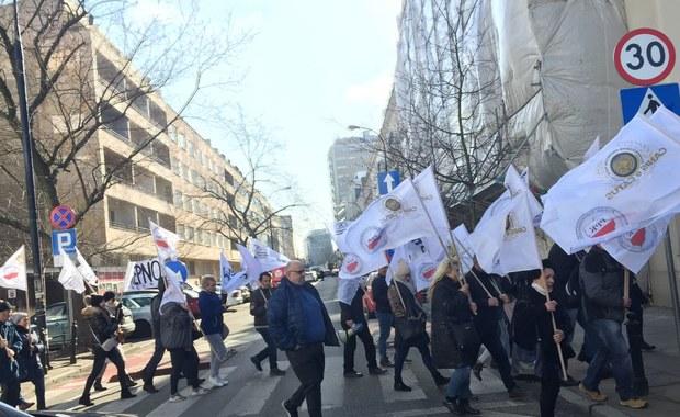 """Protest przed Sejmem. """"Więcej pieniędzy na rolnictwo"""""""