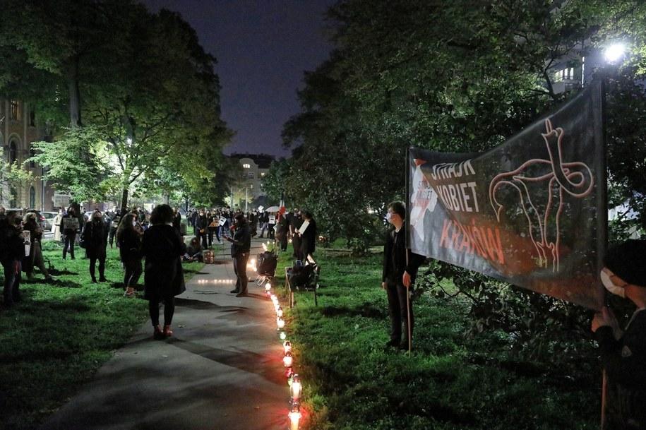 Protest przed siedzibą PiS w Krakowie / ArtService /PAP